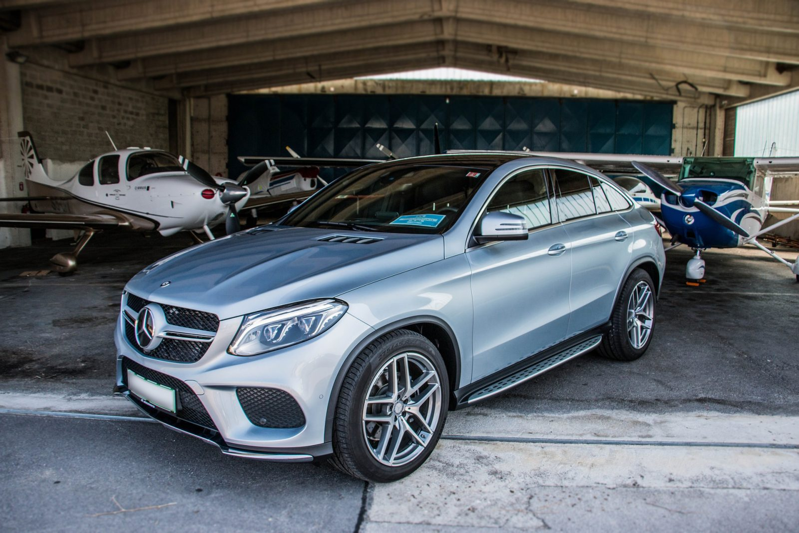 How to locate the right luxury vehicle mechanic shop for Mercedes benz shop